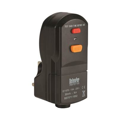 Defender 13A Wireable RCD Plug 240V